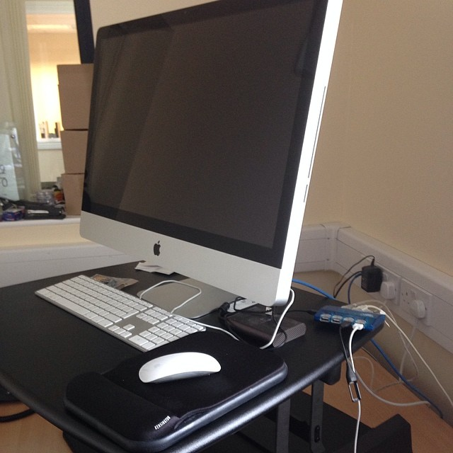 varidesk blacknight office
