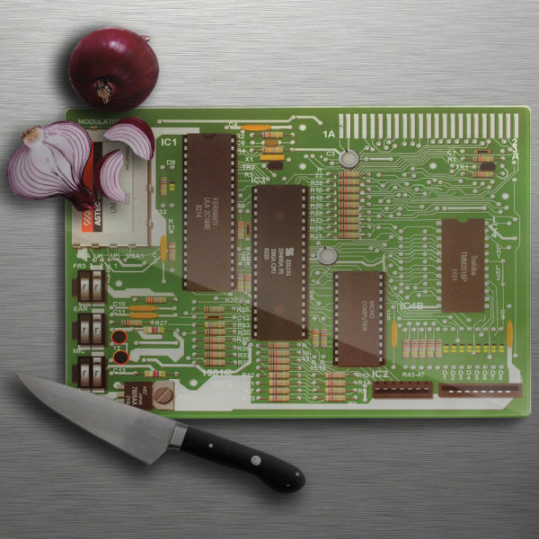 motherboard-choppingboard-with-knife